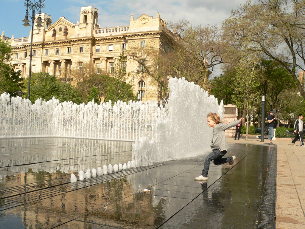 http://stoastudio.com/wp-content/uploads/interactive-fountain-budapest-02.jpg